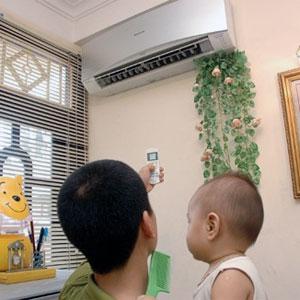 Sử dụng máy lạnh - máy điều hòa đúng cách cho trẻ sơ sinh